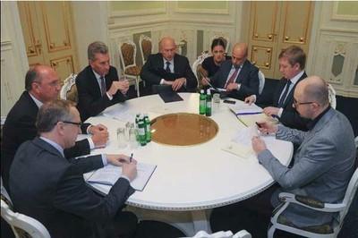 Terminan negociaciones del precio de gas entre Rusia y Ucrania sin progresos  - ảnh 1