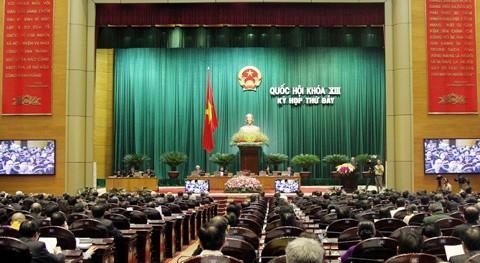 Legisladores vietnamitas ratifican leyes importantes del país - ảnh 1