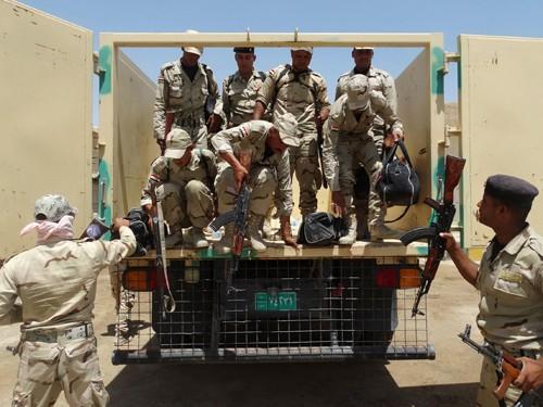 Ejército iraquí se retira de tres ciudades occidentales ante fuerzas rebeldes - ảnh 1