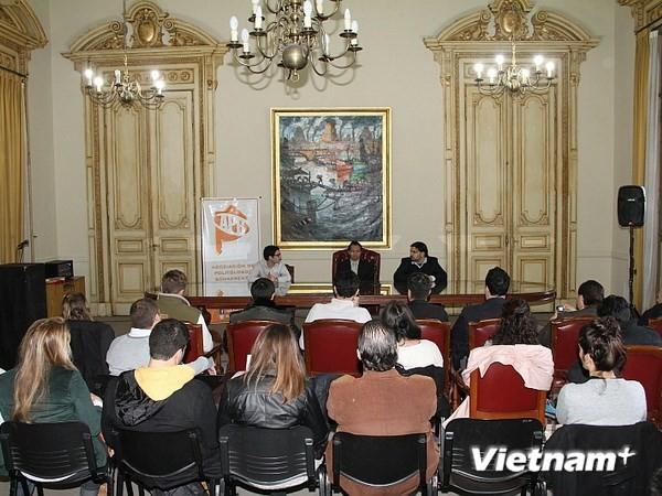 Público argentino se preocupa ante crecientes tensiones en el Mar Oriental - ảnh 1