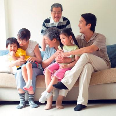 Los hanoyenses con la familia - ảnh 3