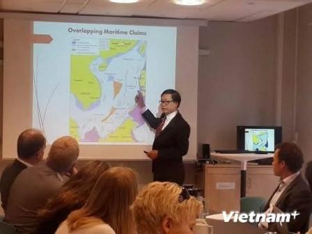 Tertulia sobre la situación del Mar Oriental en Noruega - ảnh 1