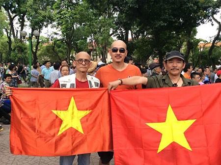 Artistas vietnamitas hacia mar e islas nacionales - ảnh 2