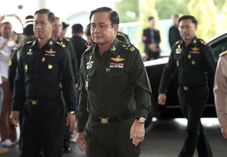 Comandante de la infantería tailandesa se negó a confabular con protestantes - ảnh 1