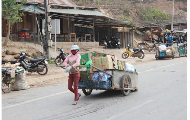 Mujeres de Van Kieu y su brigada de carretas en la frontera - ảnh 1