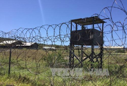 Estados Unidos traslada prisioneros de su base en Guantánamo a Senegal - ảnh 1