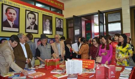 Inaugurada exhibición sobre el Partido Comunista y el Parlamento de Vietnam  - ảnh 1