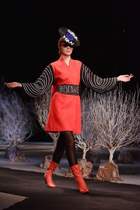 Última colección de moda de Chula en honor de David Bowie - ảnh 3
