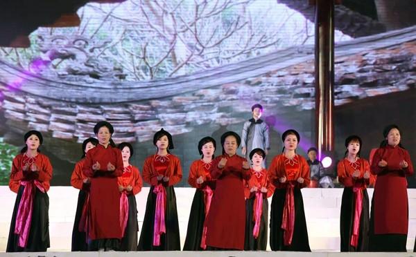 Conmemoración de los Reyes Hung, de vuelta al origen de los vietnamitas - ảnh 4