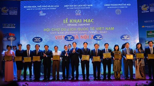 Vietnam promociona el turismo marítimo e isleño en Feria Internacional del sector en Hanoi  - ảnh 1