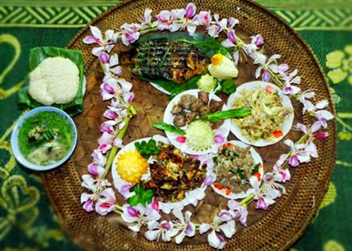 Manjares preparados con flores de Bauhinia en tierra septentrional de Vietnam - ảnh 1