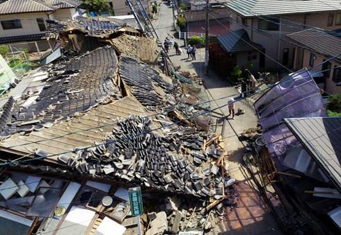 Más de 40 muertes en dos terremotos en Japón   - ảnh 1
