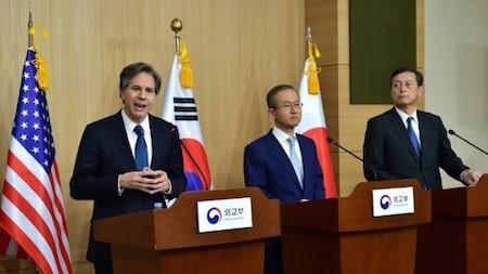 Corea del Sur, Estados Unidos y Japón envían advertencia a Corea del Norte  - ảnh 1
