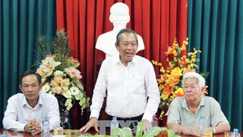 Viceprimer ministro de Vietnam apoya el movimiento de aliento al estudio en Long An - ảnh 1