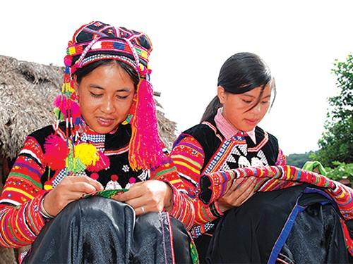 Preserva la etnia Ha Nhi oficios tradicionales - ảnh 3