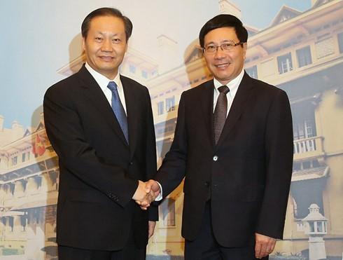 Vice premier vietnamita se reúne con líder partidista de provincia china de Guangxi - ảnh 1