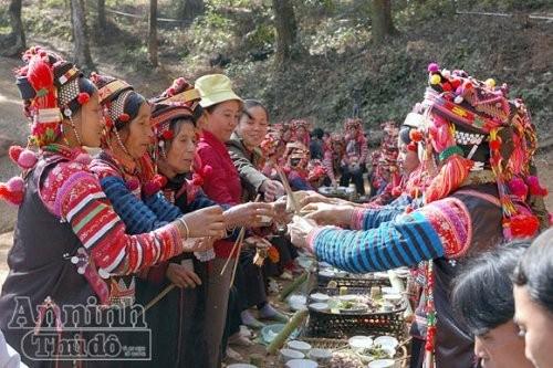 Etnia Ha Nhi y su culto a las deidades protectoras de aldea - ảnh 3