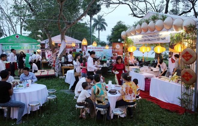 Realizan seminario sobre gastronomía imperial de Hue - ảnh 1