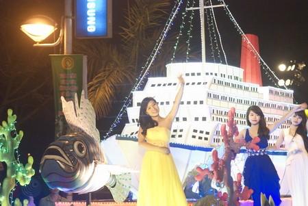 Gran concurrencia a destinos turísticos de Vietnam en días feriados  - ảnh 1