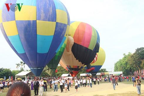 Inaugurado Fiesta Internacional de Globos en Hue - ảnh 1