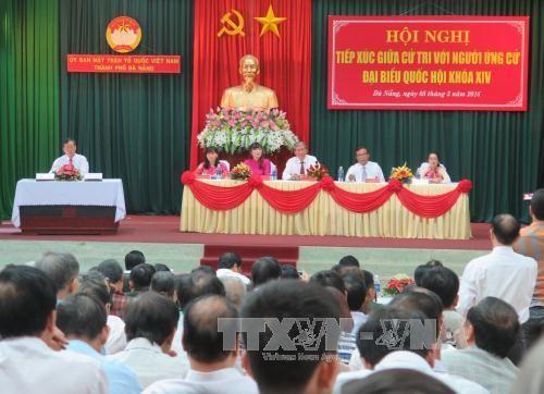 Aspirantes de elecciones generales vietnamitas se reúnen con electores - ảnh 1