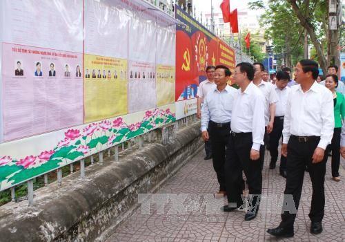 Supervisan preparativos de las próximas elecciones parlamentarias y locales  - ảnh 1