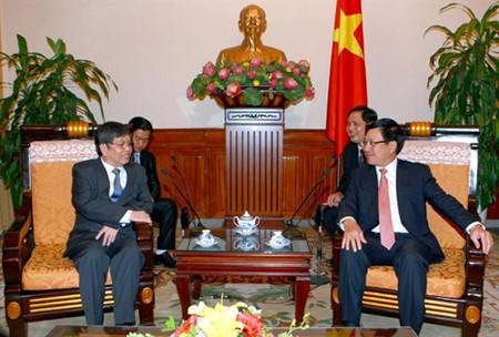 Vietnam y Camboya robustecen relaciones diplomáticas - ảnh 1