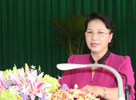 Presidenta del Parlamento vietnamita responde dudas de votantes de Can Tho - ảnh 1