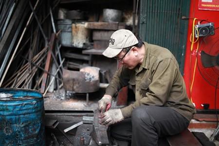 Un artesano del casco histórico de Hanoi - ảnh 2