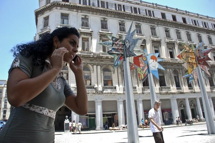 Cuba y Estados Unidos firman acuerdos de cooperación en materia de telecomunicaciones - ảnh 1