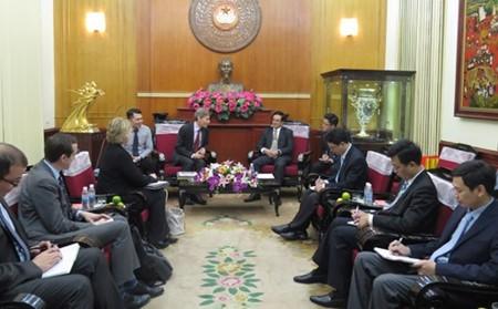 Vietnam y Estados Unidos robustecen relaciones bilaterales  - ảnh 1