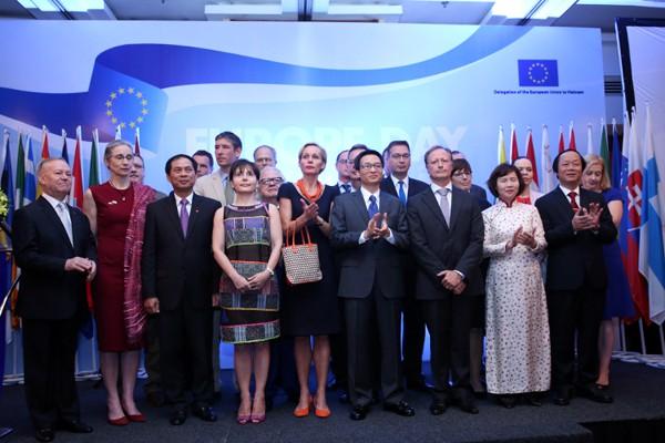 Celebran el Día de Europa en Vietnam - ảnh 1