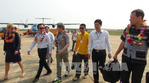 Embajadores extranjeras exploran la cueva vietnamita de Son Doong - ảnh 1