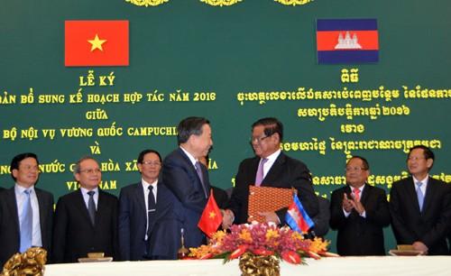Ministro vietnamita de Seguridad Pública de visita en Camboya - ảnh 1