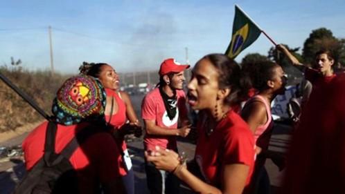 Brasil sumergido en peor crisis política y económica - ảnh 2