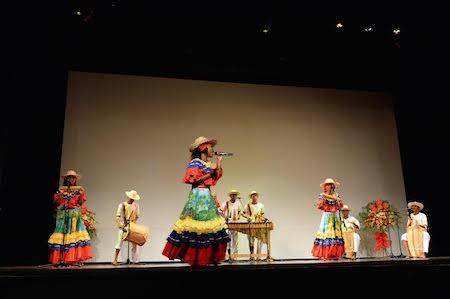 Música tradicional de Pacífico del Sur fascina al público vietnamita - ảnh 1