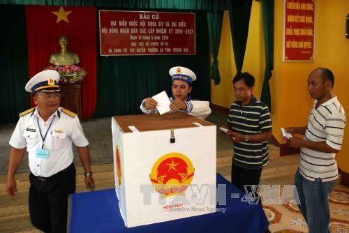 Celebran elecciones con 7 días de anticipación en varias localidades vietnamitas - ảnh 1