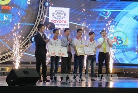 Concurso de Robótica estimula la creatividad de estudiantes vietnamitas - ảnh 1