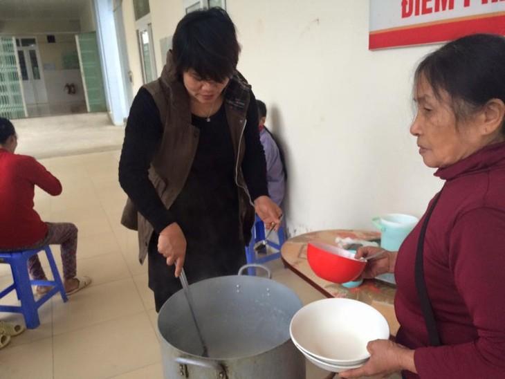 Nguyen Thi Hien, una maestra dedicada a labores de caridad  - ảnh 1