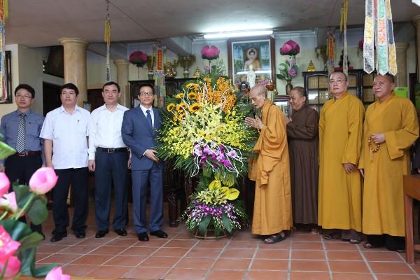 Vicepremier vietnamita honra sacrificios del budismo por la Patria - ảnh 1