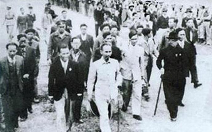 Imágenes históricas sobre las primeras elecciones generales de Vietnam - ảnh 1