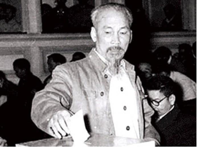 Imágenes históricas sobre las primeras elecciones generales de Vietnam - ảnh 3