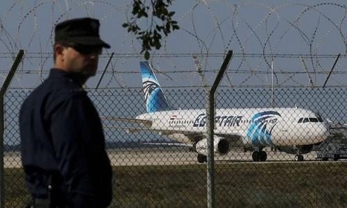 Dirigentes mundiales expresan condolencias por accidente del avión egipcio - ảnh 1