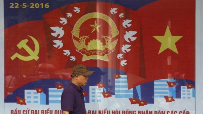 Medios extranjeros informan de las elecciones legislativas y locales en Vietnam - ảnh 1