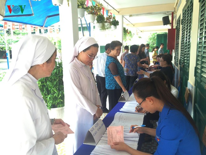 Millones de vietnamitas acuden a las urnas en total seguridad - ảnh 4