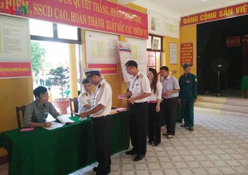 El 98,77% de los electores vietnamitas votó en los últimos comicios legislativos - ảnh 1