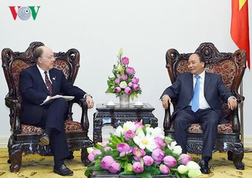 Primer ministro de Vietnam: Las empresas deben abanderar cooperación Vietnam-Estados-Unidos - ảnh 1