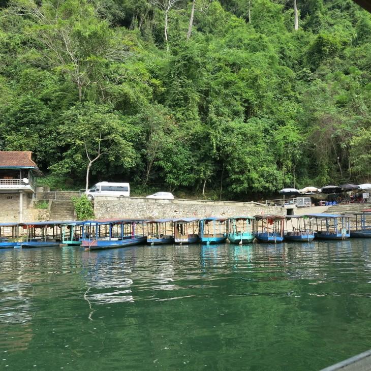 Belleza del lago de Ba Be - ảnh 2