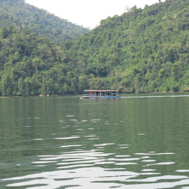 Belleza del lago de Ba Be - ảnh 3