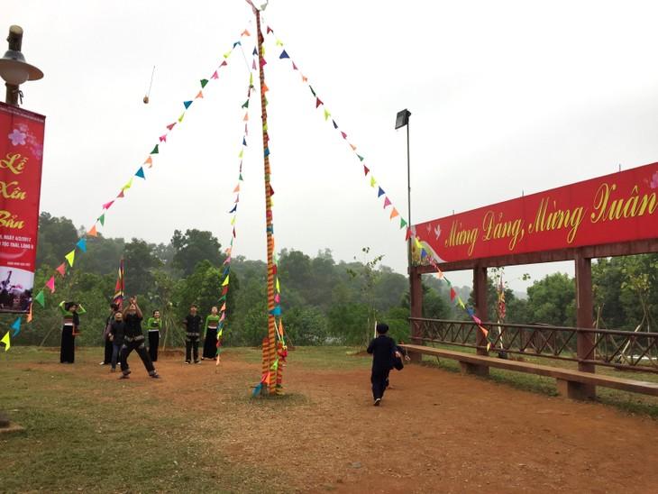Resaltan valores culturales de comunidades étnicas de Vietnam en festividades primaverales - ảnh 1